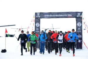 le départ (©Antarctic Ice Marathon)