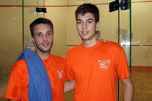 V Genestoux (178e) à gaucheet L. Barraud (55e) après leur empoignade (©Squash Club Dijonnais)