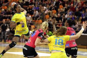 Avec 10 buts inscrits Marie-Paule Gnabouyou a activement participé à la victoire des toulonnaises (Nicolas GOISQUE/www.Focale.info)