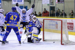 Les rapaces empochent les points de la victoire (©Axel Schanen/Hockey Hebdo)