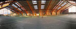 les 4 courts couverts (©DUC Tennis)