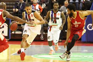 Dobbins à droite retrouvait le palais des sports où il a tant brillé l'an dernier (Nicolas GOISQUE/www.Focale.info)
