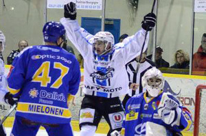 C'est encore Gap qui a levé les bras en fin de match (©Axel Schanen/Hockey Hebdo/archives)