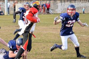 Les Bisons ont rapidement pris le match en mains (©Axel Schanen/www.Focale.info)
