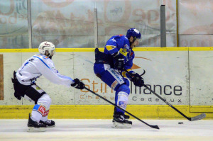 Les ducs ont été cherché la victoire avec les tripes (©Axel Schanen/Hockey Hebdo)