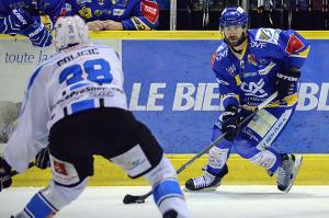 Les Ducs se sont arrachés durant le deuxième tiers pour revenir au score (©Axel SCHANEN/Hockey Hebdo)