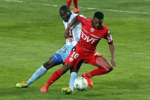 Jérémy Bela a souvent tenté de déséquilibrer l'adversaire (Nicolas GOISQUE/www.Focale.info)