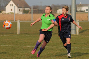 Le club veut s'ouvrir aux toutes jeunes (ici l'équipe U18 contre Varennes (©DUC Football Féminin)