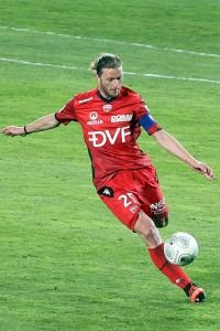 Steven Paulle a vu rouge ; le défenseur Dijonnais a été beaucoup sanctionné cette saison( Nicolas GOISQUE/archives)
