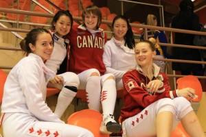 Les jeunes escrimeuses viennent parfois de loin comme ici le Canada © Eric BONTEMPS