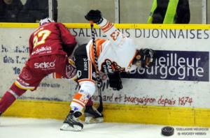 Le DHC a tenu tête à Épinal dans un deuxième tiers bouillant © Guillaume Meurisse/ Hockey Hebdo