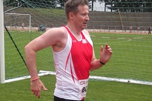 Dominique CHERITAT qui bat son record sur 5000 marche © ASPTT Dijon