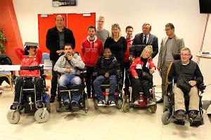 Le DFCO Foot Fauteuil et quelques uns de ses soutiens © Nicolas GOISQUE/NikoPhot