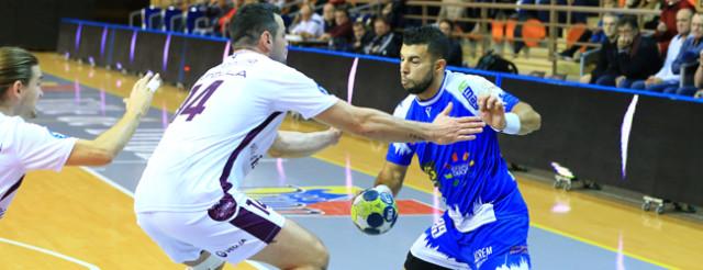 Le DBHB a fini par céder face à l'athlétique défense istréenne, la meilleure du championnat © NikoPhot