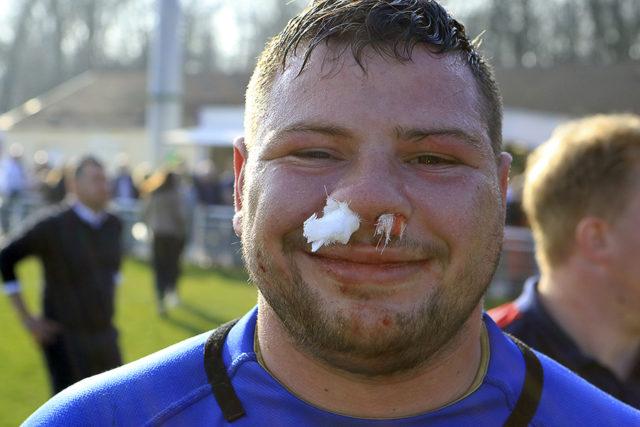 Julien Beaufils, ou l'art de respirer les narines obstruées.